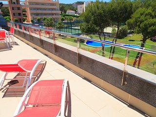 UHC SALOU VILLA FAMILY COMPLEX: Fantastic high standard pent house apartment!