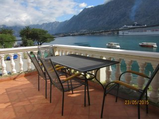 FarAwayVillas .com Kotor luxury 3 bed apartment next to fjord, sea & mountains