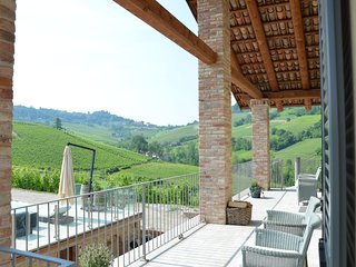 Casa Visette - historical Barolo winery with authentic luxury suites