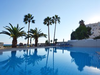 3b Seafront Seaview apartment with pool - Londa Beach