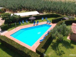 Poderecampialmare. house'LECCIO' 6 pax-loggiato - private garden-POOL - carpark