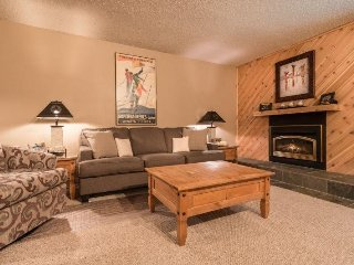 Snowdance Condominiums B104 - Walk to slopes, updated kitchen, Mountain House!