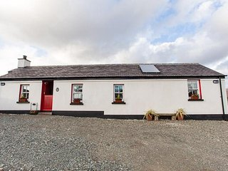 Pat Whites Luxurious Traditional Irish Cottage