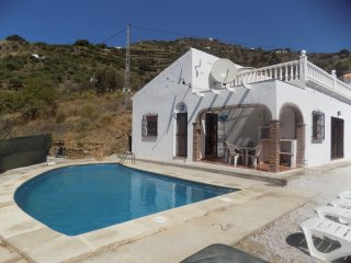 Villa Pino - 3 bedroom home with pool