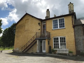 Plas Glandenys country house self-catering apartment.