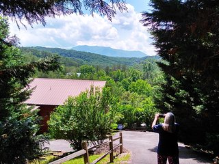 Mountain Magic Cabin-Private cabin,Beautiful Views Complimentary wine on arrival