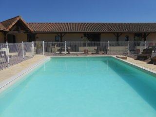 Gite Gerbera with swimming pool (Auberge Abjat)