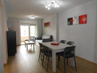 Apartamento totalmente reformado con Wifi, aire acondicionado, lavavajillas