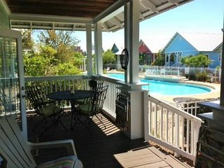 Charming beach cottage with deck, grill, & shared pool/hot tub access!
