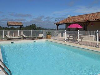 Studio Gite Rose  with swimmingpool ( Aubege Abjat)