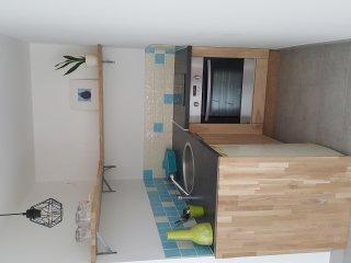 Logement indépendant avec jardin privé dans maison