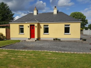 Cootehall Cottage: 3 Bedroom Self Catering Accommodation in Roscommon, Ireland.