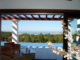 4 bedroom Villa in Cala Tarida, Islas Baleares, Ibiza : ref 2240105