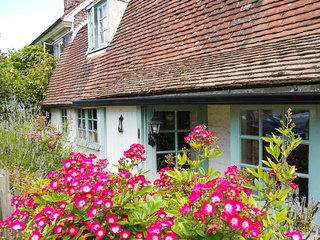 BT022 Cottage in Brede