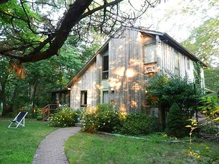 Serene Lakefront Hideaway Rustic 4 BD Southampton LOWEST RATE THIS SUMMER!!!