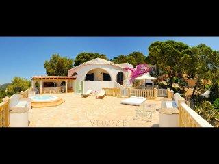 Ibiza Villa with dream views near the beach