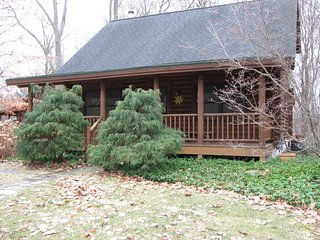 Little Star Cabin - Luxury Log Cabin in Saugatuck