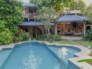 Ben Bali Villa - close to Seminyak beach, best restaurant, and trendy shops