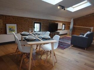 Appartement 4 pers. style loft dans maison de caractère près de Toulouse-Blagnac