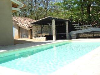 La Poujade, Gite 2 a 6 personnes (maxi 4 adultes et 2 enfants) avec piscine