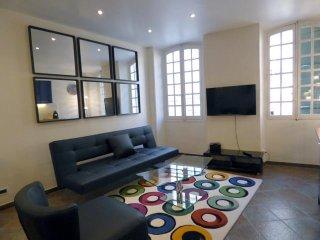Cannes banane plein centre location meublee 3 chambres 2 sdb dans rue pietonne