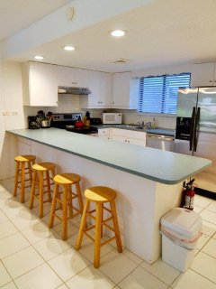 Full size kitchen equipped with all appliances