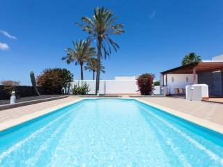 Villa Roma - 900m from Playa Dorada - Magestic 11m pool - Independent 1000m plot
