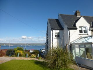 'Admirals View' Quality & Spacious on Sea Front with Stunning 180° Sea Views