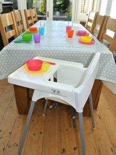 Equipment for children: highchairs, travelcots, booster seats, safety gates, bath (see website)