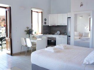 Aegean View Villa (Deluxe White Villa, Sea front Villa, stunning sea view)
