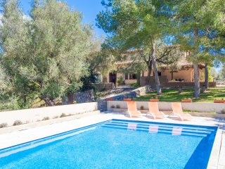 SOS MONJOS - villa in Artà with private pool for 7 people