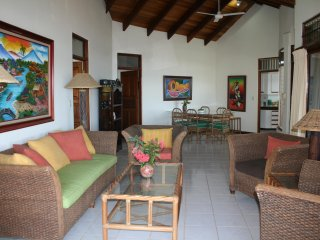 Villas Casa Loma - (Suite 103) - Incredible Ocean/Mountain Views!