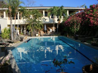 Villas Casa Loma - (Suite 202) - Incredible Ocean/Mountain Views!
