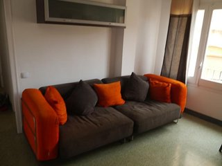 Fully Furnished 3 Bedrooms Flat 5 minutes walking to the beach