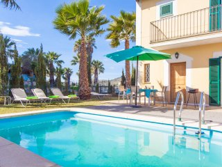 GRAN LLAC - villa in Puerto de Alcudia for 5 or 6 people