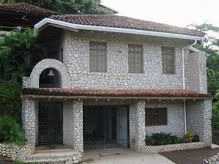 VILLAS CASA LOMA (Villa 5)  FLAMINGO BEACH'S BEST KEPT SECRET FOR OVER 30 YEARS