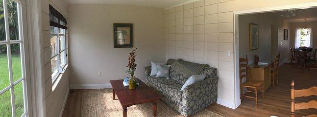 Florida room (sofa bed)