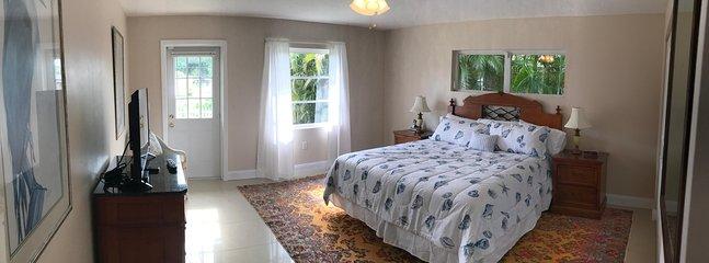 Upstairs master bedroom (king bed with en suite bathroom)