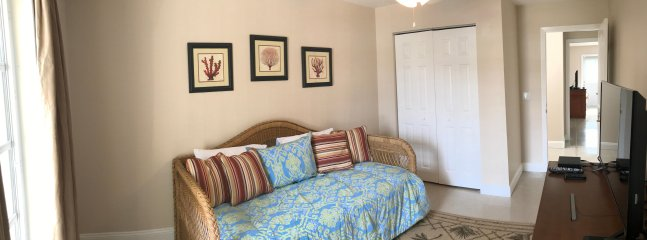 Upstairs guest bedroom (day bed with pop up trundle bed underneath)