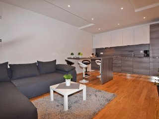 Luxury apartmenr for 2-4 in near of beach Valkane
