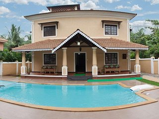 7 bedroom Luxury Villa with Private Swimming and Kids Pool, Elephant Shower