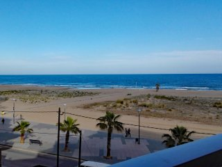 Ideal en Torredembarra playa 1ª línea, vistas a la playa (cerca de Barcelona)