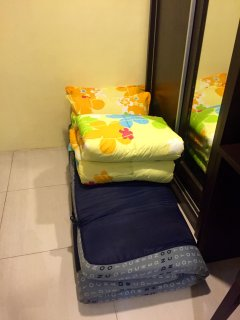Extra mattress with beddings provided.