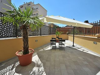 Bright and beautiful 1 bed flat in lovely area