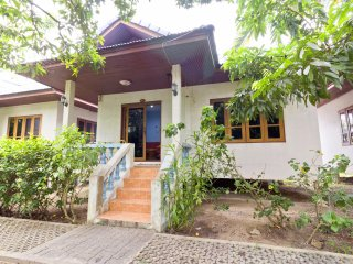 House with Kitchen 100m to Beach A