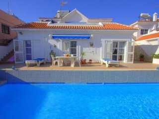 Anvela: beautiful villa with a pool