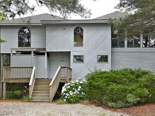 Nice 4 bedroom, 2.5 bath home with rec room. Walk to the ocean!