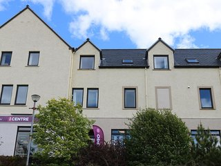 2 Bayfield, cosy town centre apartment in Portree, ideal for exploring Skye!