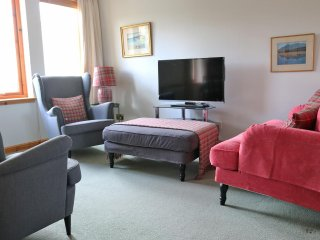2 Bayfield House, cosy town centre apartment in Portree.