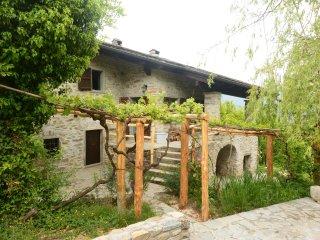 The Sanctuary, Stone Cottage on 2 Acres, Cinque Terre, Train, Medieval Villages